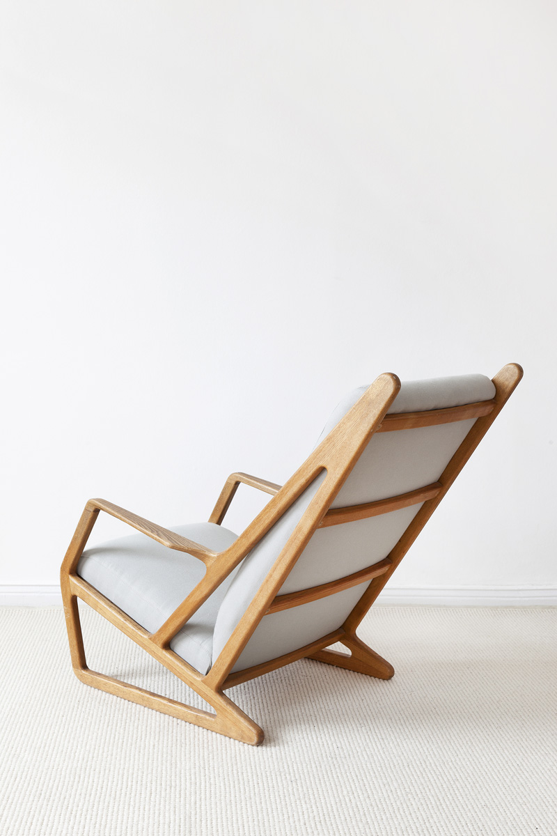 MUIN_Chair_02-800px
